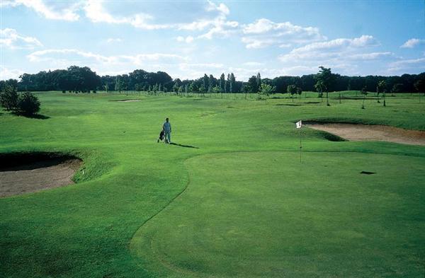 golfdequetigny